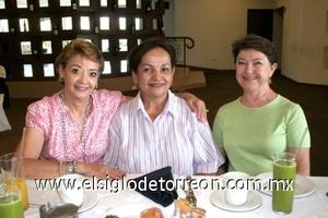 03082008 Marina de Falcón, Raquel Jardón y Luz María Villalobos.