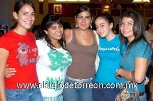 08082008 Jéssica Garza, Patricia Abularach, Mariel Román, Liz Ayala y Ana Cris Gurza
