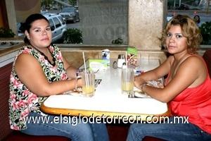 08082008 Érika Torres y Tessy de Gutiérrez
