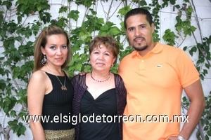 09082008 Mayela Macías, María de Jesús y Fernando Navarro.