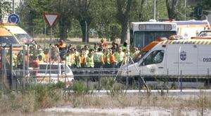 Los equipos de rescate siguen en el lugar del accidente, cuyas causas aún se desconocen.
