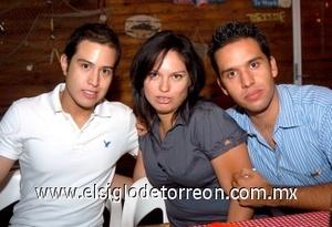 10082008 César Prieto, Martha Quintero y Armando Quiñones.
