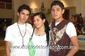 10082008 Fredy, Gisela y Heriberto.