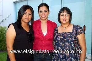 10082008 Lucía Romo, Mary Carmen Valenzuela y Laurisel Elías