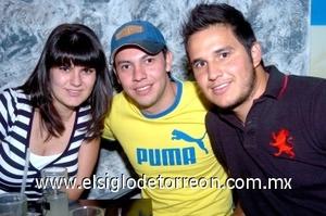 10082008 Marcela García, Fernando Segovia y René Venegas.