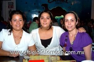 10082008 Rosa Elena Falcón de Isidro, Érika Rojas de  Pérez y Diana Ávalos de Fuentes