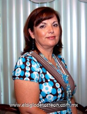 13082008 Tere Cantú de Espinosa fue festejada con motivo de su cumpleaños