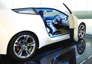 El nuevo Honda CR-Z, antecesor del CR-X, era un hatchback de bajo peso con motor eficiente y tamaño pequeño, la sensación de manejo es agradable y su interior muy cómodo, por lo que esperamos que la nueva versión; CR-Z, supere estas características.