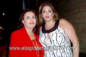 15082008 Cristina Kawas y Lisa de Kawas.