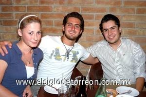 15082008 Jacqueline, Omar y Luis.