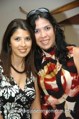 16082008 Brenda y Edisa Flores.