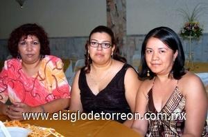 17082008 Norma Leticia García, Gabriela García Aguilar y Silvia Patricia Parada.