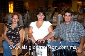 17082008 Rosalía Pérez-Verti, Cecilia Flores y Ciro Marto.