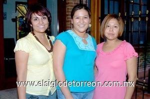 18082008 Mayra García, Sandra Facio y Brenda Peña.
