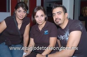 18082008 Silvia Gómez, Beatriz Figueroa e Iván Flores.