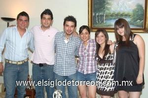 20082008 José Luis Hernández Palacios en compañía de Chema Rodríguez, Daniel Liu, Carlos Hernández, Caro Aguirre y Mary Fer Hernández