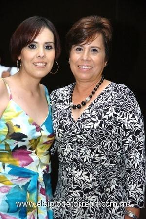 21082008 Alejandra González Silva y Conchita Silva de González