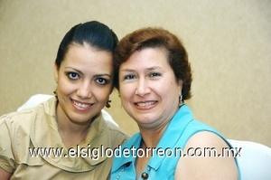 21082008 Luz Elena Navarro Delgado con su mamá Luz Elena Delgado de Navarro