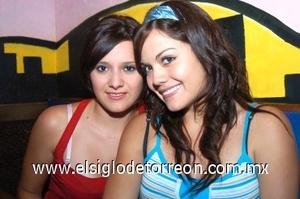 25082008 Karla Herrera y Violeta Denisse Flores.