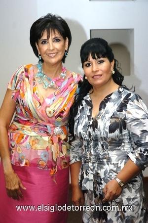 26082008 Soledad de Martínez y Paty de Tumoine.