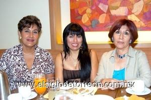 24082008 Blanca de Soriano, Rosy Cueto de Hernández y Mayra Ruiz