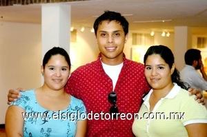 24082008 Natalia Cortés, Cristian Castañeda y Andrea Cortés.