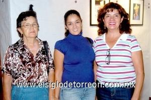 24082008 Paty Esparza, Carla Díaz y Rosa María Nieto.