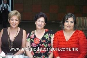 24082008 Rebeca de Meléndez, María Teresa de López y Marivi Murra.
