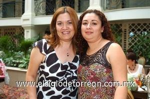 24082008 Rosy de López y Coco Zapata de García.