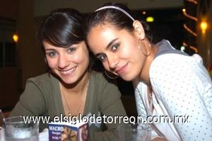 25082008 Paty y Daniela Leal.