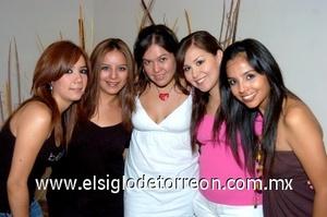 27082008 Diana acompañada de Angélica Alvarado, Wendy Alvarado, Giovanna Carrillo y Alejandra Cabrera