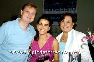28082008 Sebastián Kwapisz, Pilar Medellín Kwapisz y Pilar Miñarro
