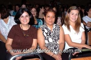 31082008 Cristy Castañeda, Rosario Muñoz y Claudia Mesta.