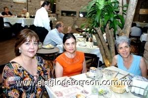 31082008 Blanca Esthela González, Cecilia Ramírez y Mavisa Rodríguez.