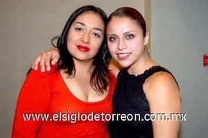 31082008 Arely de Alanís y Paola Carrillo.