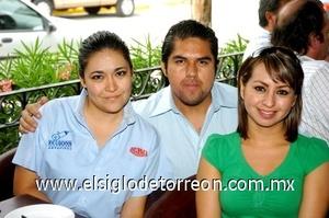 31082008 Vanesa Flores, Gerardo Martínez y Claudia Guardado.