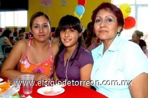 31082008 Sanjuana García Galindo, Cynthia González Martínez y Yazmín Martínez García