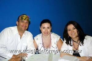 31082008 Rodrigo Galvez, Gabriela de Galvez y Laura Ramírez.