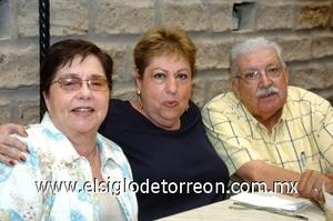 31082008 Rafita de Cadena, Irma González y Melchor Cadena.