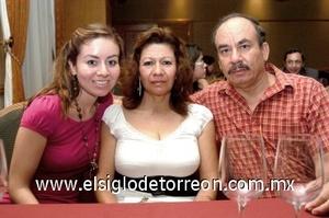 31082008 Nadia Jaramillo, Carmen Jaramillo y Gerardo Jaramillo.