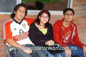 31082008 Juan Carlos Mendoza, Ana Karen Rodríguez y Martín Enrique Campos.
