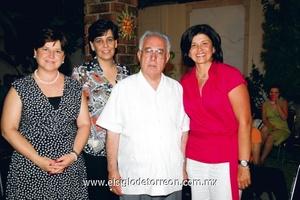 Don José Guadalupe, Marcela Díaz, Lourdes Rebollo y Fabiola Díaz.