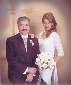 Sr. Ignacio Elías Valdivia Abundis y Sra. María Esthela Guerrero de Valdivia renovaron sus votos matrimoniales con motivo de su 25 aniversario de bodas, con una misa en la parroquia de San Jorge Mártir, el viernes 25 de julio de 2008.