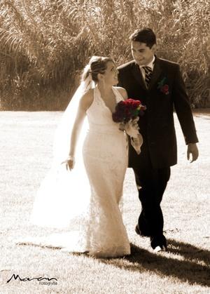 Ing. Gonzalo Carano Flores y Lic. Alma Lilia López Martínez contrajeron matrimonio en la iglesia de Cristo, el sábado 26 de julio de 2008.  <p> <i>Estudio Morán</i>