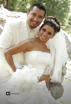 Sr. José Francisco René García Soto y Srita. Abigaíl Mendoza Herrera unieron sus vidas en sagrado matrimonio en la Catedral del Carmen el sábado 19 de julio de 2008.  <P> <I>Estudio Letticia</I>