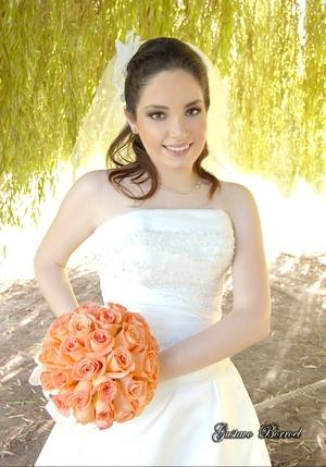 Srita. Alejandra Cuéllar Rosales, el día que unió su vida con el Sr. José Agustín Reinosa Monroy.  <p> <i>Estudio Gustavo Borroel</i>