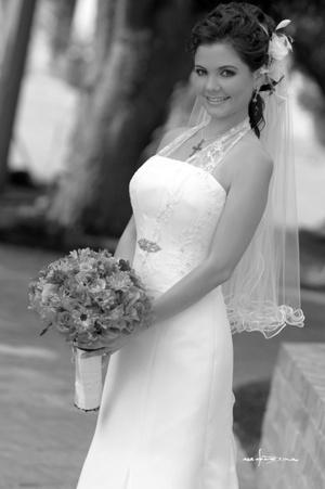 Srita. Blanca Lilia Máynez Eppen el día de su enlace matrimonial con el Sr. Maurizzio Alessandro Piva Porras. <p> <i>Estudio Carlos Maqueda</i>