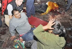 Las fiestas del Grito de Independencia en Morelia fueron interrumpidas por dos explosiones en el Centro de la ciudad.