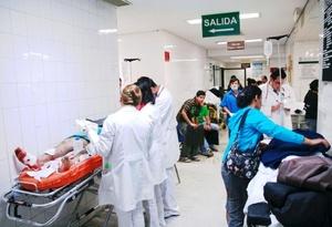 Luis Miguel Lara Díaz, asistente de la dirección Médica del Hospital de la Mujer en Michoacán, quien recibió a los heridos la noche del 15 de septiembre, señaló que la mayoría de las heridos que atendieron fueron por esquirla.