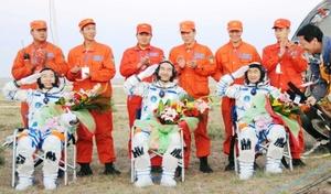 Los astronautas deben pasar varios días con frecuentes controles de su estado físico y psicológico.